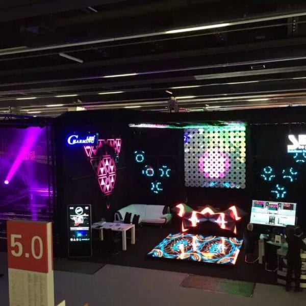 Ring LED studio