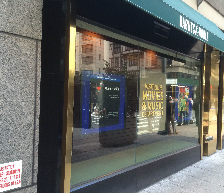 transparent-LED-on-showcase-nyc-5th-avenue