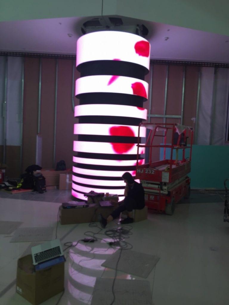 LED flexible bendable column screen display