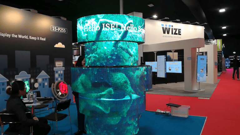 Column deconstructed curved LED screen display greenery
