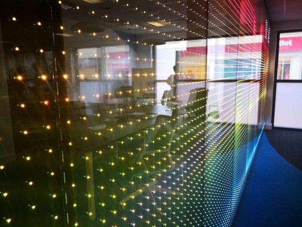 Zoom LED transparent screen light