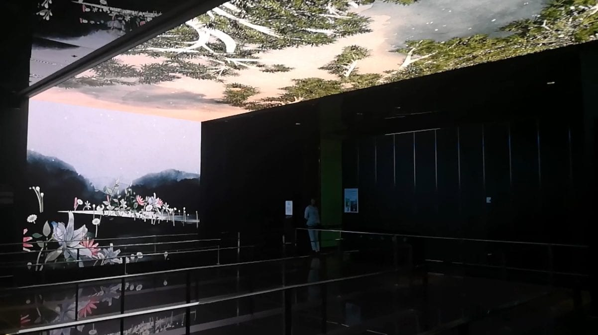 Ceiling LED screen small pitch assembled display