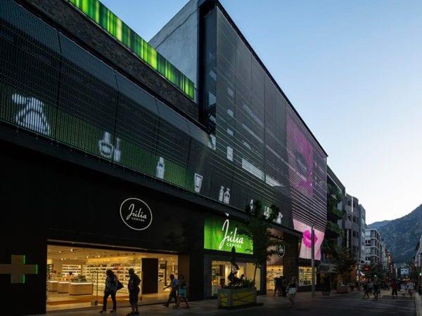 full media facade imagic weave julia-center Andorra