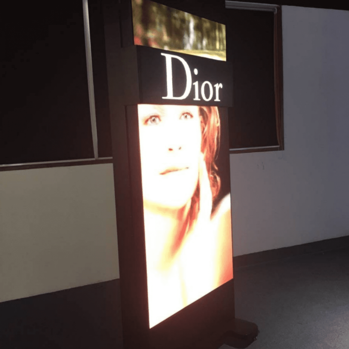 Led sliding screens Dior
