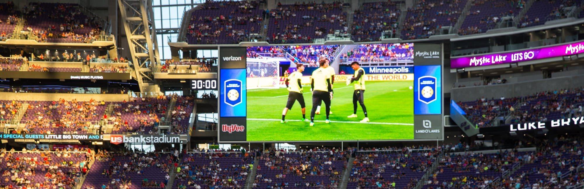 usbankstadium-soccer-with giant screen