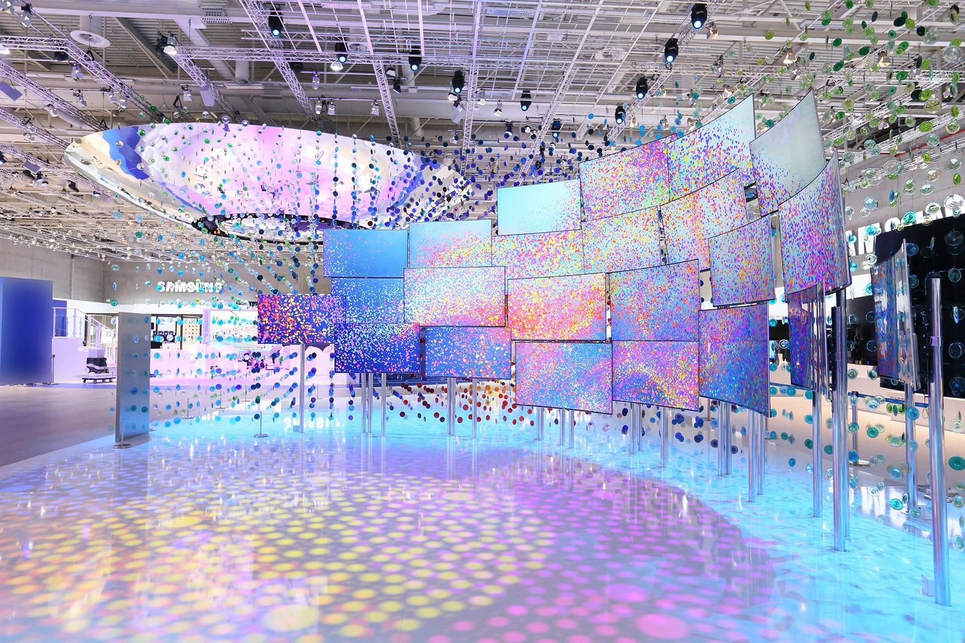 Led screen architectural display