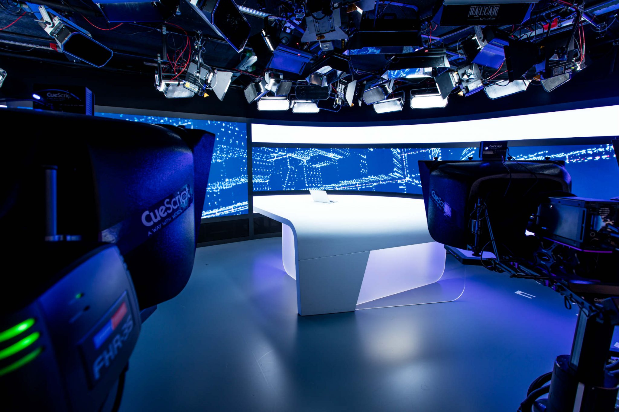 RTLZ-studio-6224-pxlr-1