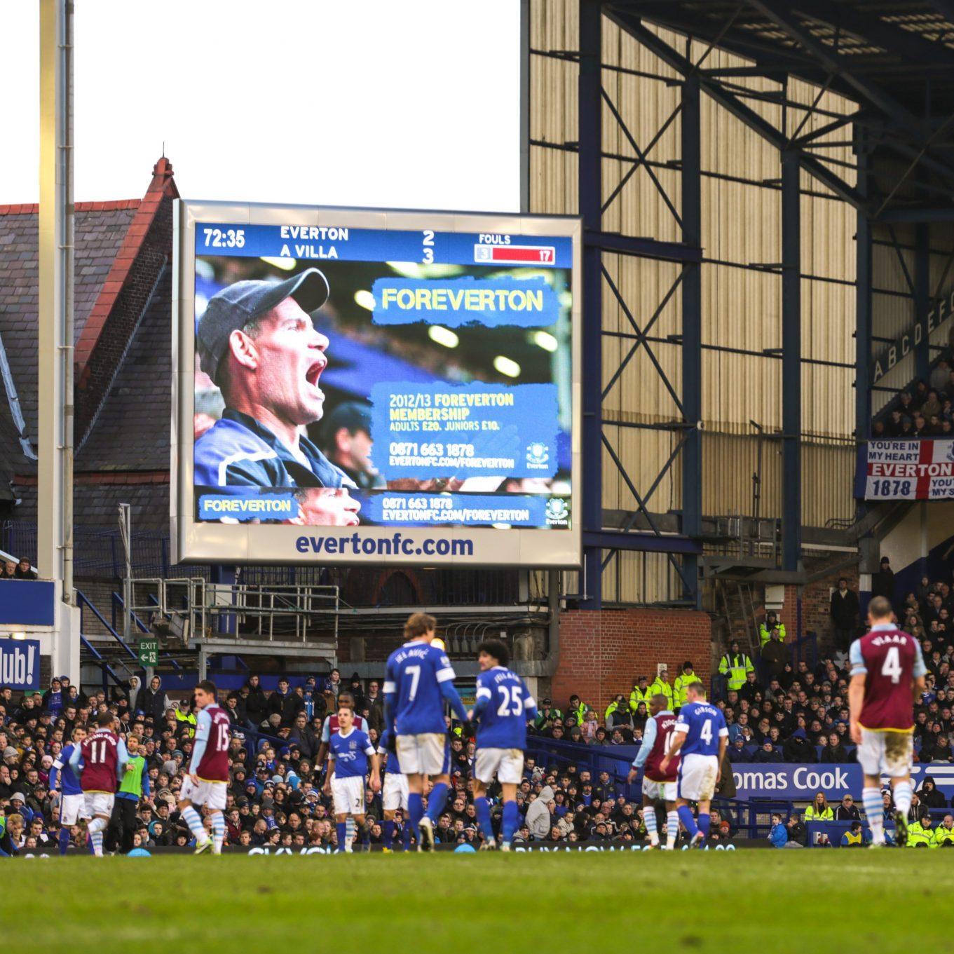 Everton-Stadium-screens-giant