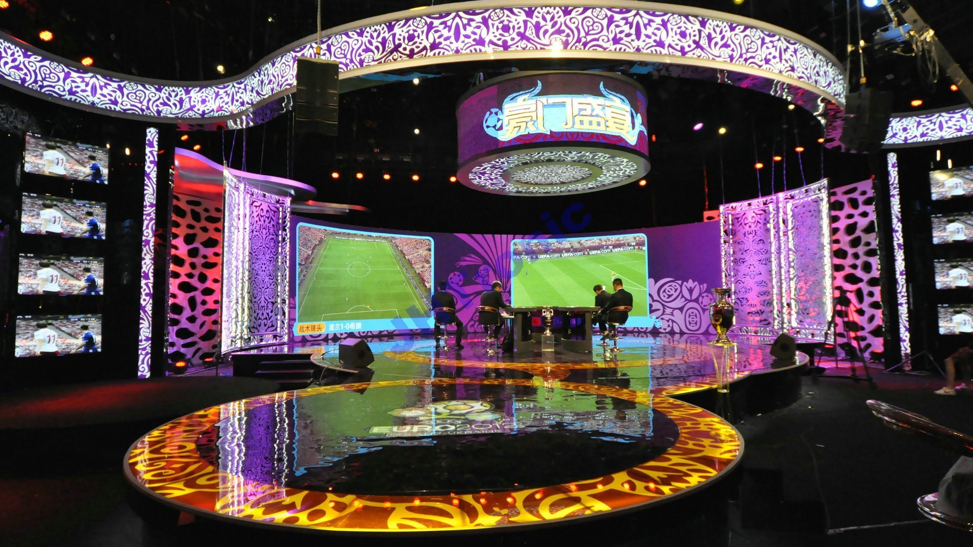 indoor-fixed-led-display-screen-panel-sign-curtain-billboards-outdoor-indoor-full-color-advertising-rental-stage0001