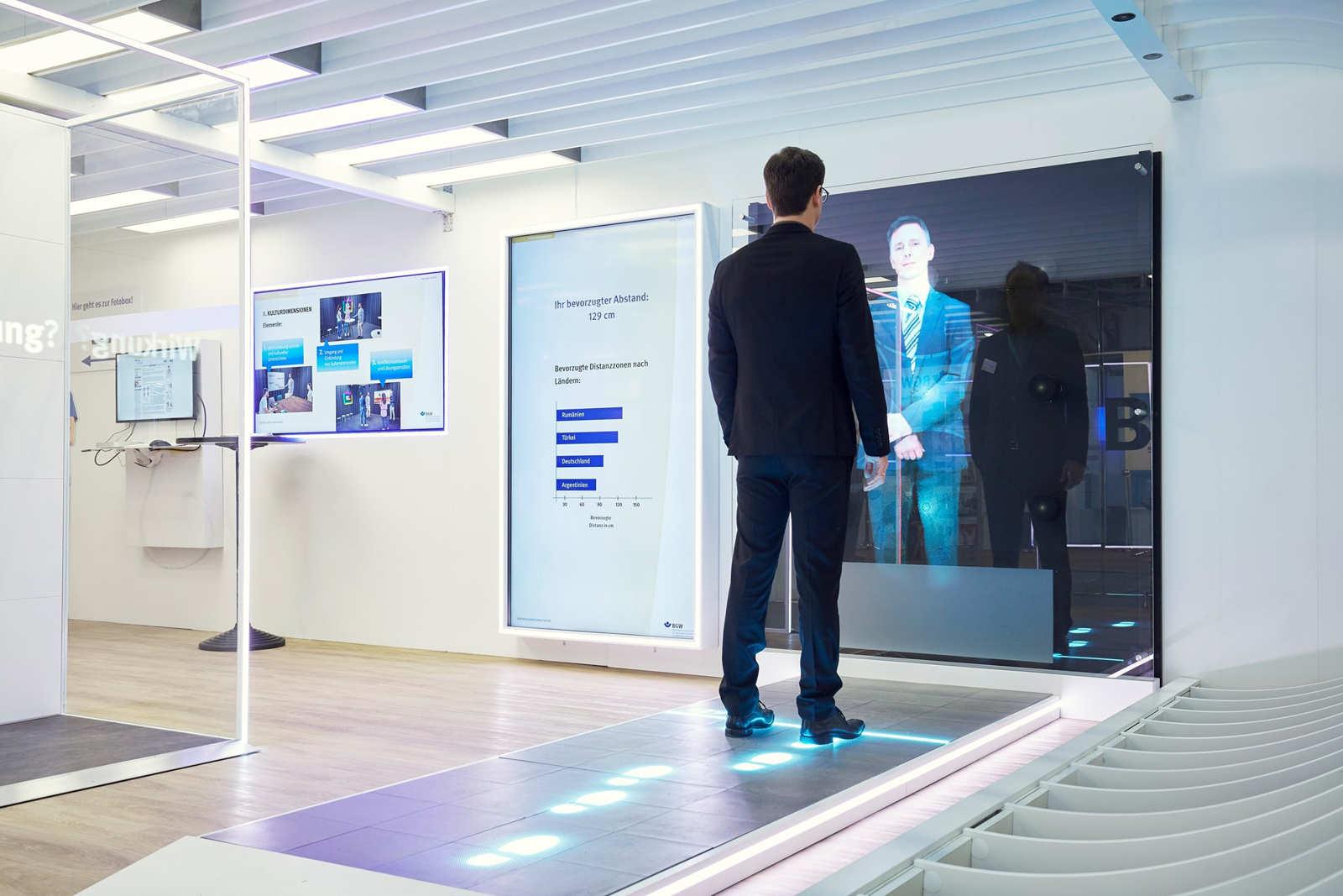 floor-led-display-screen-for-bontempo-4