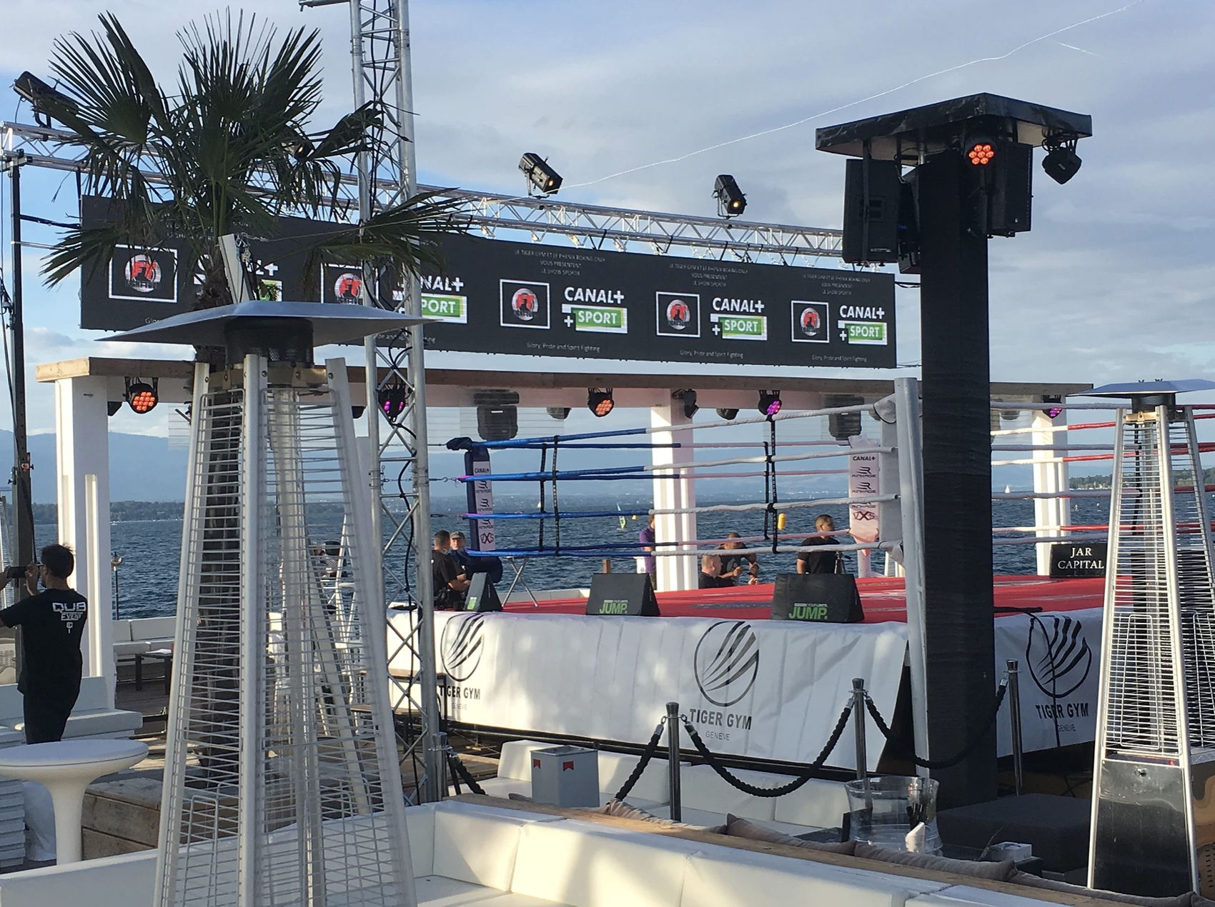 outdoor-led-screen-for-rental-market-and-event