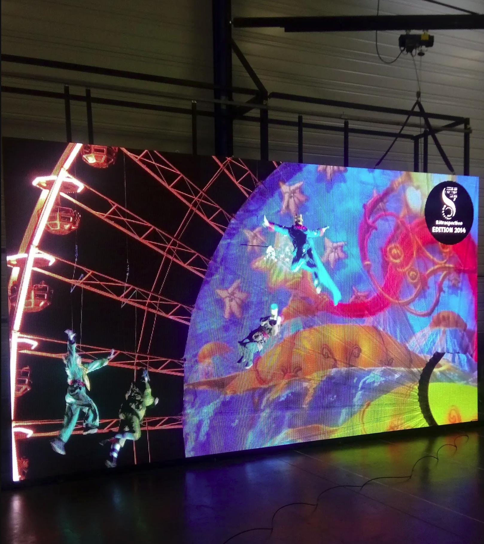 Facade écran LED batiment lycée