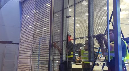 display store installation led screen team