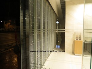 LED-display-transparent-for-glass-shopping-centre